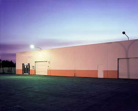 Parking Lot「Floodlights over industrial garage doors」:スマホ壁紙(15)