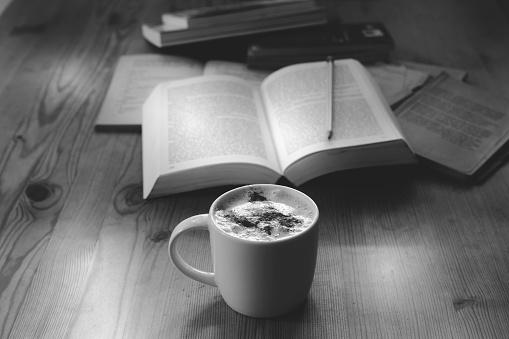 University Student「cappuccino and university studies」:スマホ壁紙(18)