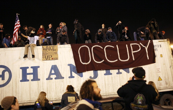 On Top Of「Occupy Protesters Call For Blockage Of Multiple West Coast Ports」:写真・画像(17)[壁紙.com]