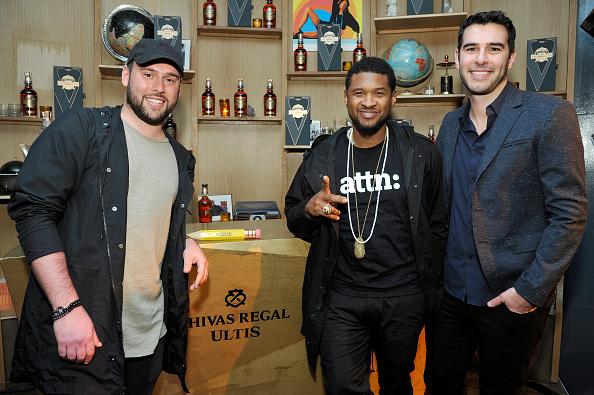 Usher - Singer「Chivas Regal Ultis Celebrates Adam and Scooter Braun and Pencils of Promise」:写真・画像(1)[壁紙.com]