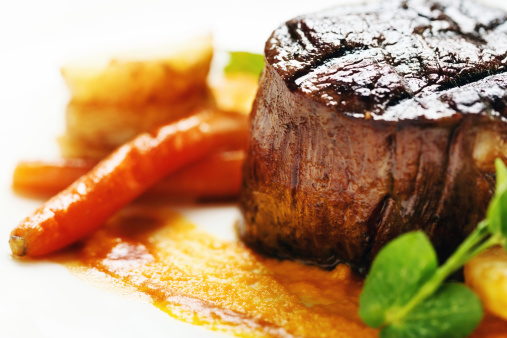 Char-Grilled「Grilled fillet steak looking juicy and delicious」:スマホ壁紙(6)