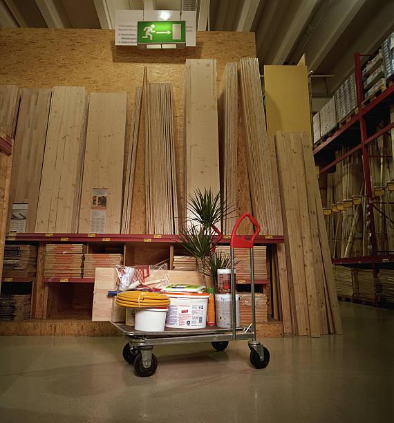 Hardware goods on trolley by planks of wood:スマホ壁紙(壁紙.com)