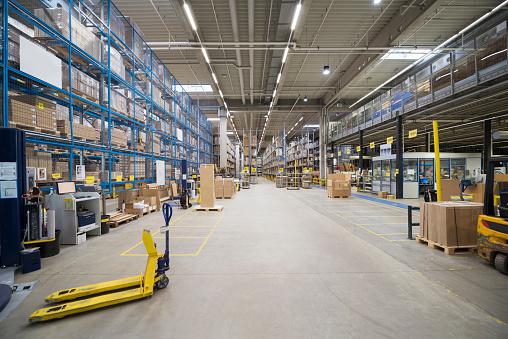 ������「High rack warehouse in factory」:スマホ壁紙(3)