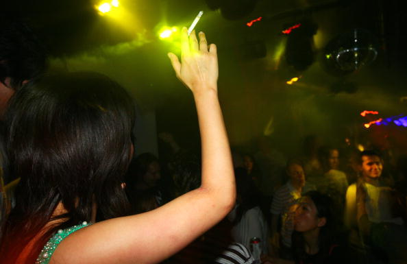 Clubbing「Countdown For Smoking Ban In England」:写真・画像(13)[壁紙.com]