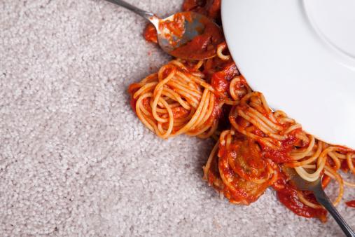 Spilling「Spaghetti on New Carpet」:スマホ壁紙(19)