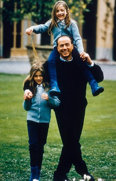 Franco Origlia「Silvio Berlusconi And Family」:写真・画像(1)[壁紙.com]