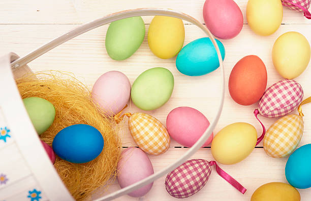 Retro Easter basket and colorful Easter eggs. Debica, Poland:スマホ壁紙(壁紙.com)