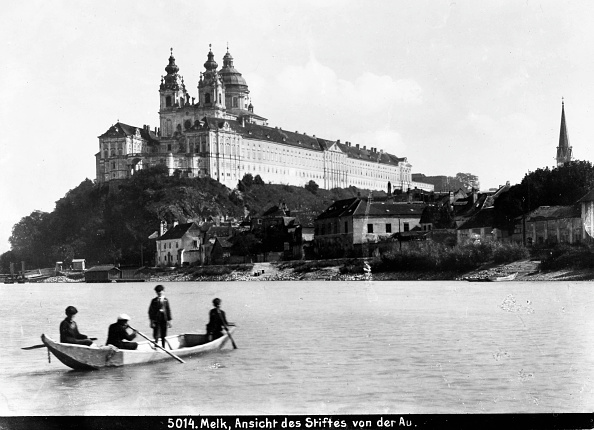 Benedictine「Melk: Benedictine Abbey. General View Of The Abbey From The Danube. About 1910. Photograph By Bruno Reiffenstein (No. 5014).」:写真・画像(6)[壁紙.com]