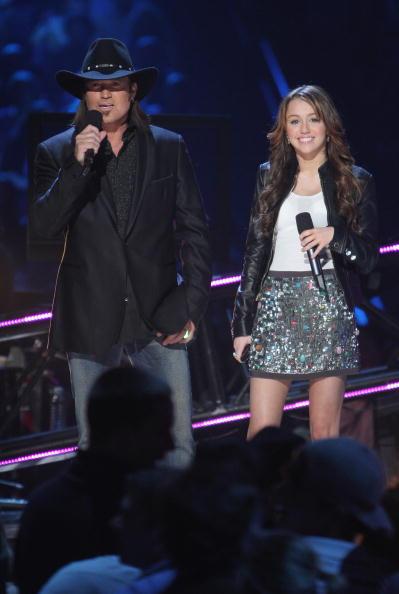 Scott Gries「2008 CMT Music Awards - Show」:写真・画像(1)[壁紙.com]