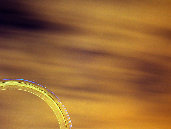 Amusement Park Ride「Abstract view of the London Eye, London, United Kingdom」:写真・画像(0)[壁紙.com]
