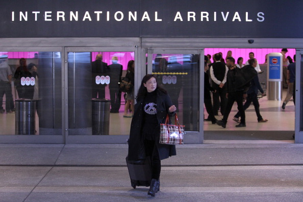 LAX Airport「Homeland Security Alerts Airlines Of Shoe Bomb Threats From Overseas Flights To US」:写真・画像(8)[壁紙.com]