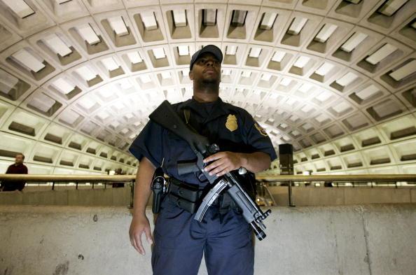 Transportation「Security Increased In U.S. After London Blasts」:写真・画像(14)[壁紙.com]