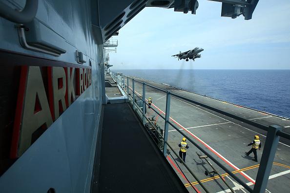 Close To「Life On Board HMS Ark Royal」:写真・画像(6)[壁紙.com]