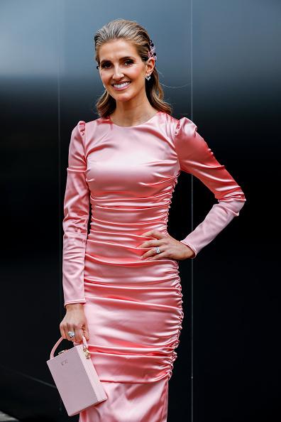 Form Fitted Dress「Celebrities Attend Oaks Day」:写真・画像(7)[壁紙.com]