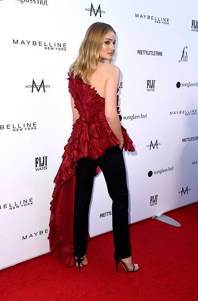 ロージー・ハンティントン・ホワイトリー「The Daily Front Row's 5th Annual Fashion Los Angeles Awards - Arrivals」:写真・画像(15)[壁紙.com]