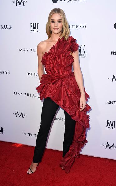 ロージー・ハンティントン・ホワイトリー「The Daily Front Row's 5th Annual Fashion Los Angeles Awards - Arrivals」:写真・画像(4)[壁紙.com]