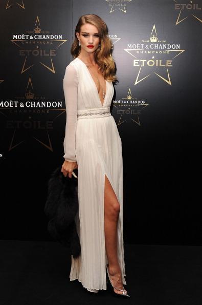 ロージー・ハンティントン・ホワイトリー「Moet & Chandon Etoile Award - Gala Ceremony」:写真・画像(6)[壁紙.com]