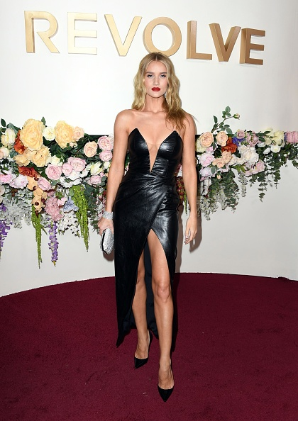 Rosie Huntington-Whiteley「3rd Annual #REVOLVEawards - Arrivals」:写真・画像(8)[壁紙.com]