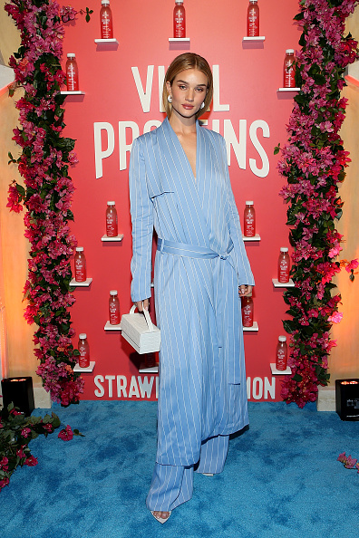 Rosie Huntington-Whiteley「Vital Proteins Celebrates Launch Of Collagen Water」:写真・画像(3)[壁紙.com]