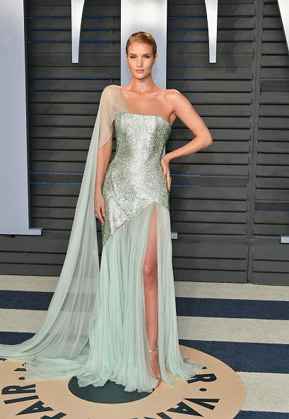 Rosie Huntington-Whiteley「2018 Vanity Fair Oscar Party Hosted By Radhika Jones - Arrivals」:写真・画像(12)[壁紙.com]