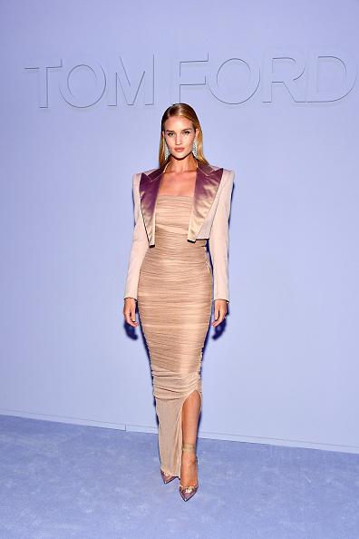 ロージー・ハンティントン・ホワイトリー「Tom Ford Women's - Arrivals - February 2018 - New York Fashion Week」:写真・画像(15)[壁紙.com]