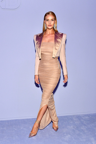 Rosie Huntington-Whiteley「Tom Ford Women's - Arrivals - February 2018 - New York Fashion Week」:写真・画像(17)[壁紙.com]