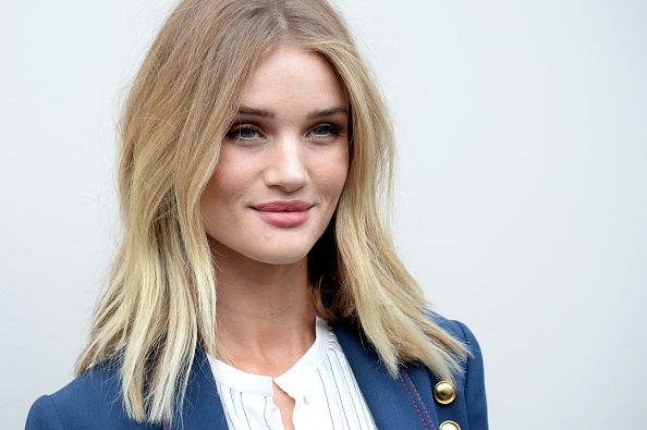 Rosie Huntington-Whiteley「Burberry - Arrivals - LFW AW16」:写真・画像(12)[壁紙.com]