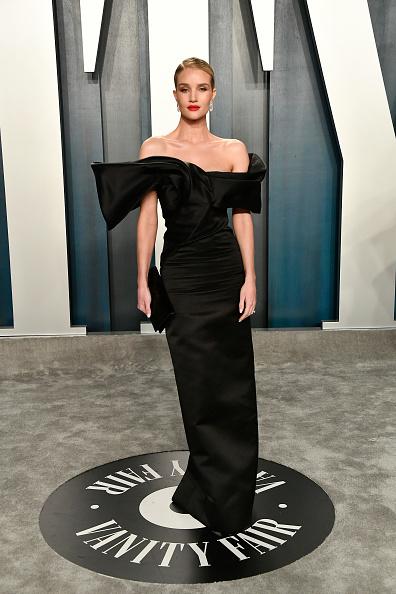Rosie Huntington-Whiteley「2020 Vanity Fair Oscar Party Hosted By Radhika Jones - Arrivals」:写真・画像(4)[壁紙.com]