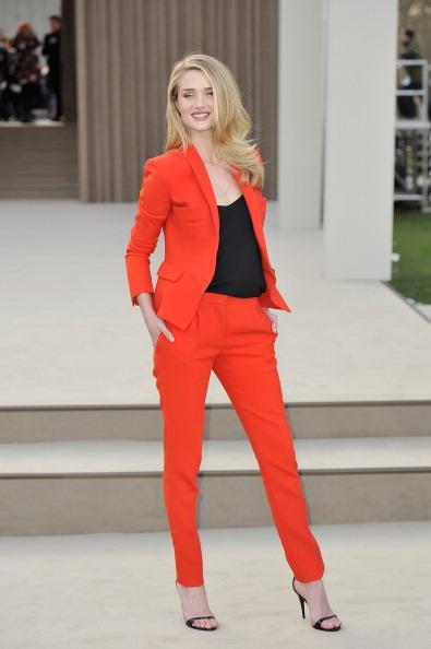 Red Suit「Burberry Prorsum Autumn Winter 2013 Womenswear Show - Arrivals」:写真・画像(8)[壁紙.com]