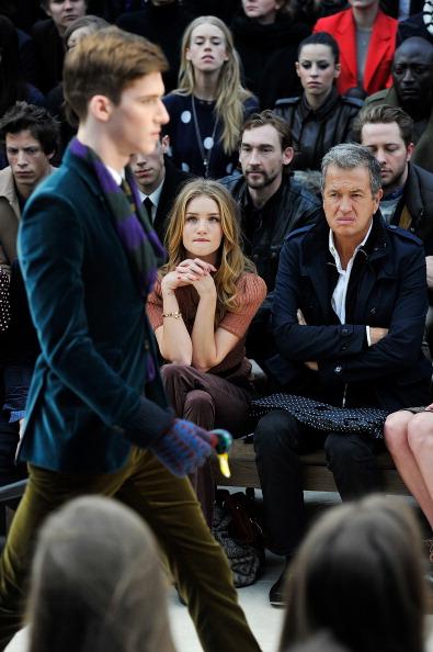 Rosie Huntington-Whiteley「Burberry Autumn Winter 2012 Womenswear Front Row」:写真・画像(0)[壁紙.com]
