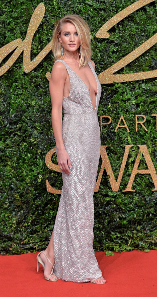 Award「British Fashion Awards 2015 - Red Carpet Arrivals」:写真・画像(1)[壁紙.com]