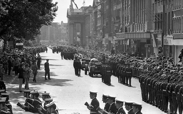 GPO「Funeral Of Eamon De Valera 1975」:写真・画像(9)[壁紙.com]