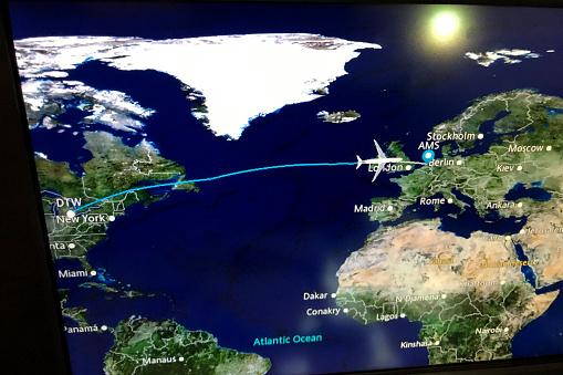 Amsterdam「Travel Map on Airplane」:スマホ壁紙(1)