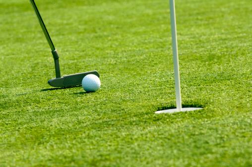Putting - Golf「Golf ball near hole」:スマホ壁紙(5)