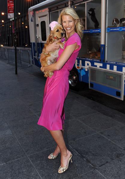 Sleeved Dress「Beth Stern Visits FOX & Friends」:写真・画像(18)[壁紙.com]