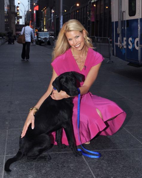 Sleeved Dress「Beth Stern Visits FOX & Friends」:写真・画像(17)[壁紙.com]