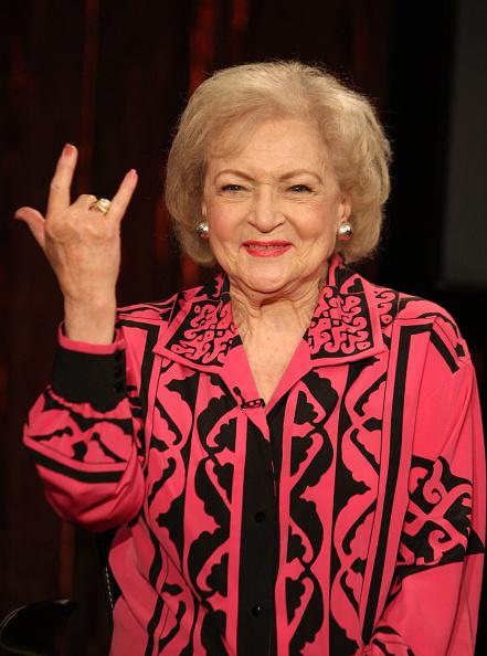 "Visit「Betty White Visits Fuse's ""No. 1 Countdown""」:写真・画像(14)[壁紙.com]"