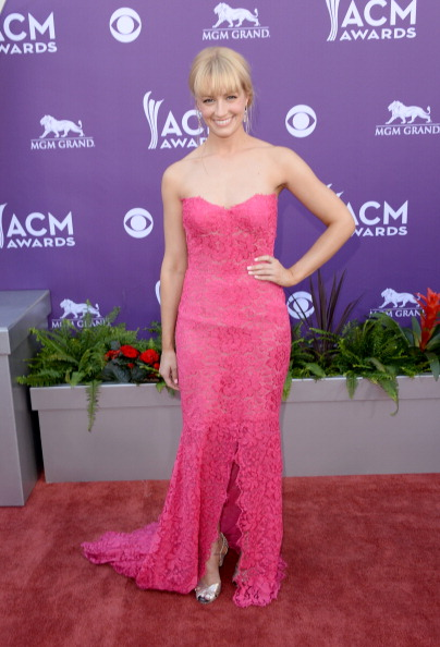 Hot Pink「48th Annual Academy Of Country Music Awards - Arrivals」:写真・画像(17)[壁紙.com]