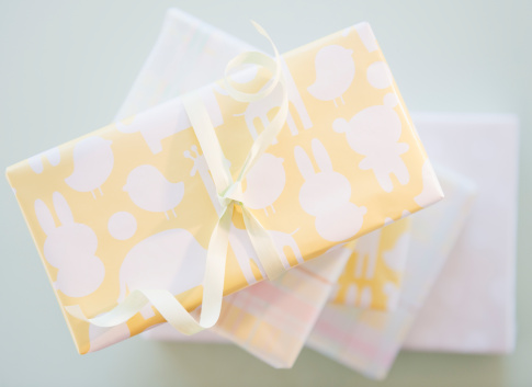 Baby Shower「Gift boxes wrapped in pastel colored paper」:スマホ壁紙(17)