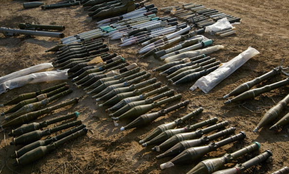 武器「82nd Airborne Displays Weapons Seized in Raid」:写真・画像(15)[壁紙.com]