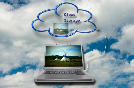 Cloud Storage「Laptop and storage cloud」:スマホ壁紙(16)