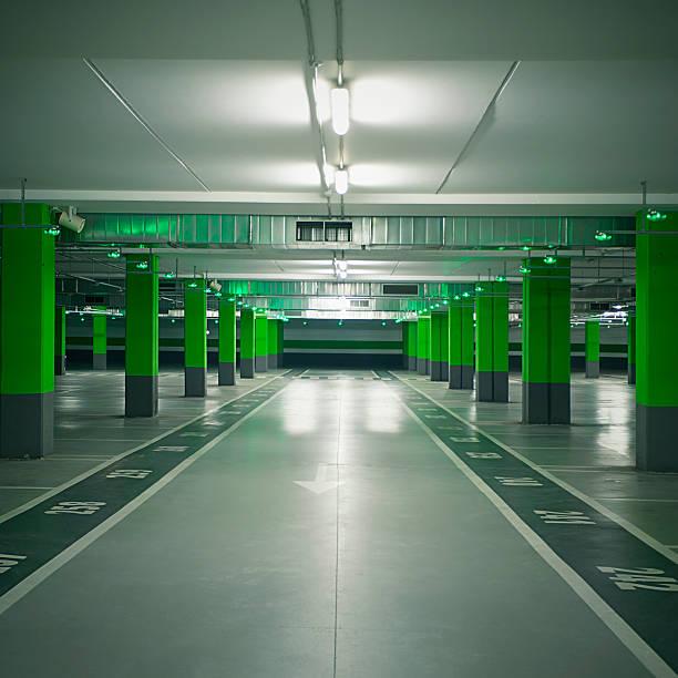 Car garage:スマホ壁紙(壁紙.com)