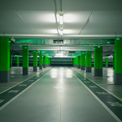 Parking Lot「Car garage」:スマホ壁紙(2)