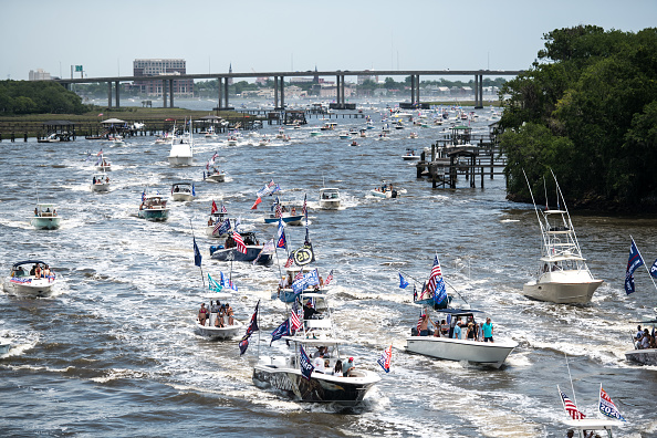 Charleston - South Carolina「Americans Celebrate Memorial Day Weekend At Myrtle Beach As South Carolina Opens Amusement Parks」:写真・画像(8)[壁紙.com]