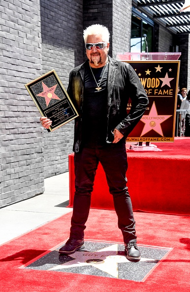Star Shape「Guy Fieri Honored With Star On Hollywood Walk Of Fame」:写真・画像(6)[壁紙.com]