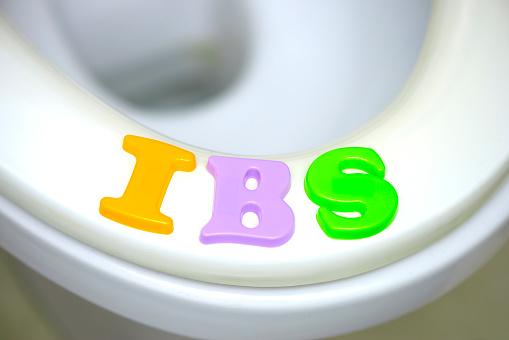 Stomachache「IBS on toilet seat」:スマホ壁紙(19)