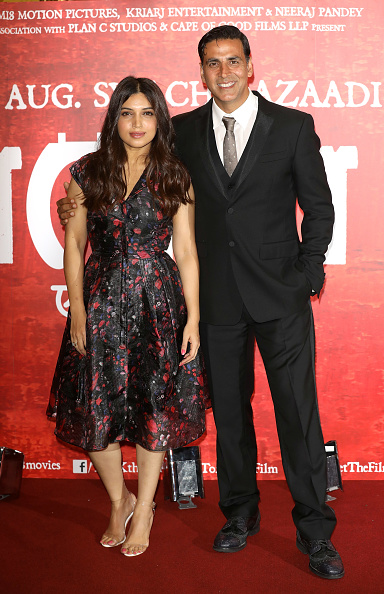 Two People「'Toilet: Ek Prem Katha (A Love Story)' Photocall」:写真・画像(11)[壁紙.com]