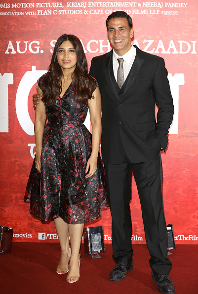 Two People「'Toilet: Ek Prem Katha (A Love Story)' Photocall」:写真・画像(13)[壁紙.com]