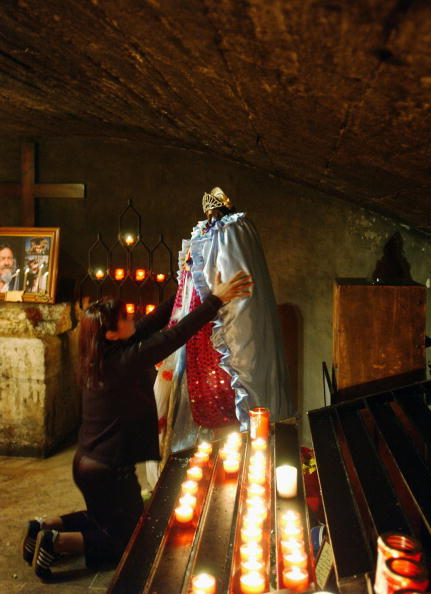 Crypt「Gypsies Celebrate The Procession To the Sea」:写真・画像(19)[壁紙.com]