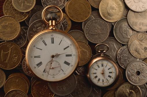 硬貨「Pocket watch and collection of coins」:スマホ壁紙(12)